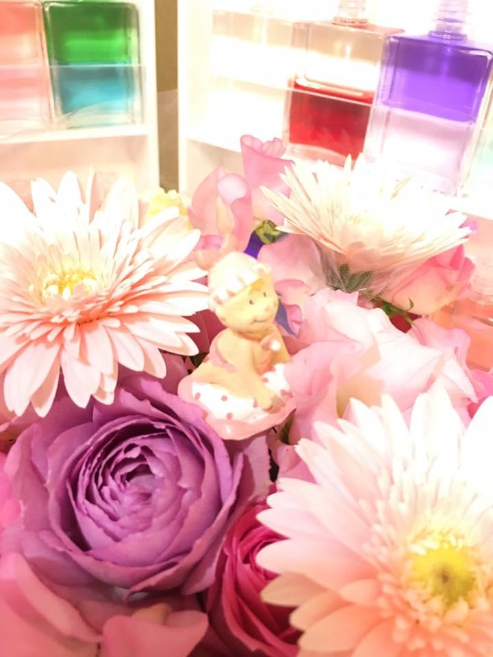 お花の中のベビー